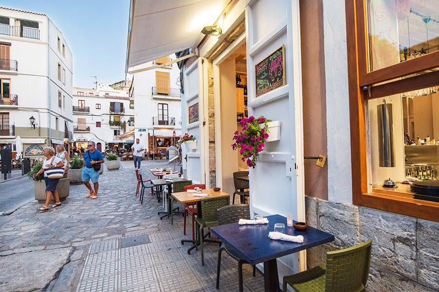 """A Ibiza c'è il """"gemello"""" del Decanter"""