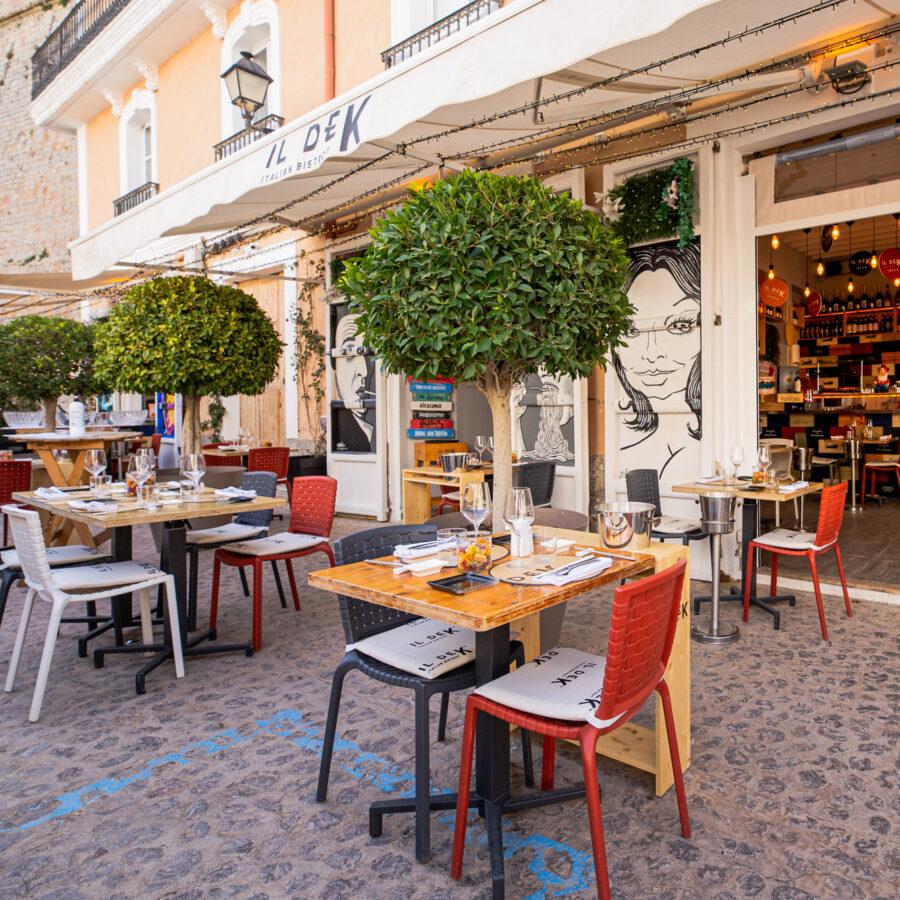 Un bistrot a los pies de la muralla renacentista de Ibiza